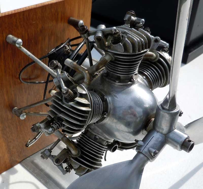 5 Cylinder Motor http://www.newsm.org/Events/12-Steam-Up/steam-up-12-images.html